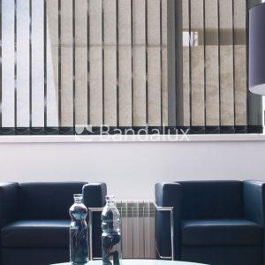 Cortina-vertical-ventana